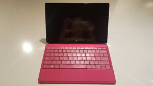 Surface Pro 2 (64 GB - Excellent Condition - Works Like New!)