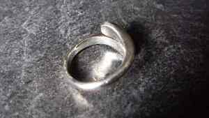Adjustable Silver Tone Ring Kingston Kingston Area image 3