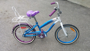 Little Girls Classic Cruising Bike.