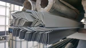 Moulures de toit aluminium