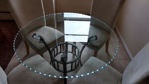 Round glass table & 4 chairs