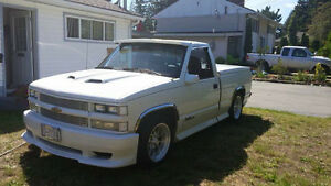 1989 lowered chevy short box firm on price