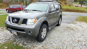 2005 Pathfinder LE AWD 4x4 Fully Loaded