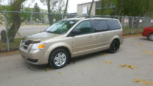 Saftied 2008 dodge grand carvan se ( stow and go seats )