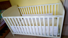 Baby Weavers Jessica Cot and toddler bed 4ft 6