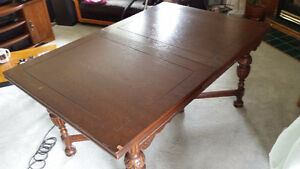 Antique Dining Table with Four Chairs (one Captain) Kingston Kingston Area image 4