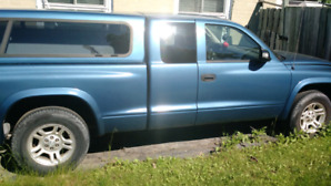 Dodge Dakota 2003 resonable offer will be excepted,no scrapers