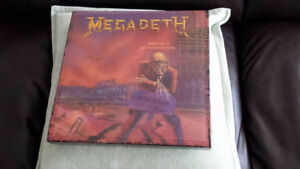 MEGADETH PEACE SELLS WHOS BUYING SUPER DELUXE VINYL BOX SET ! BR