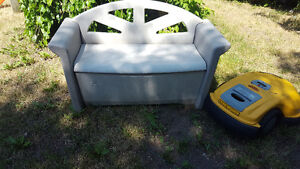 Patio Storage Bench Comfortable seating DELIVERY 20$