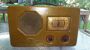Antique Vintage Westinghouse B-461A tube-type battery radio
