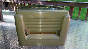 Antique Vintage General Electric tube-type radio - works!