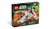 Lego 75021 Republic Gunship New in Sealed Box.