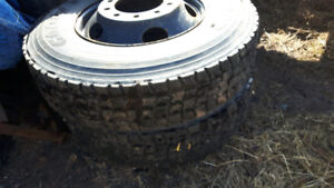 2 11r22.5 drive tires on rims