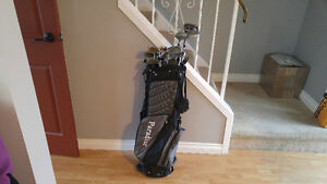 Women's golf clubs left handed with bag and pull cart 70$