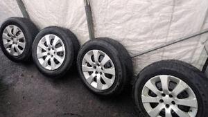 Pneus d'été Bridgestone p215/65r/16