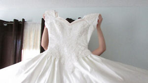 Champagne Wedding Dress Cambridge Kitchener Area image 3