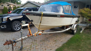 Crestliner Boat for Sale