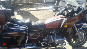 WANT THEM SOLD!!! DO NOT RIDE 2 GOLD WINGS + EXTRA PARTS Belleville Belleville Area image 2