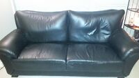 LEATHER SOFA & MATCHING CHAIRS (x2)
