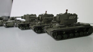 1/72 Military figures and tanks