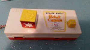VINTAGE FISHER-PRICE CAMERA TOY