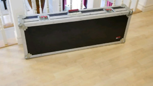 Electric guitar case by GATOR G TOUR