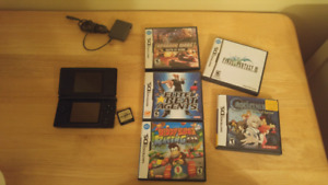 Nintendo Ds Lite with 5 games and acekard 2