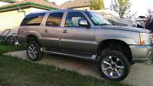 *PRICE REDUCED* 2003 Lifted Cadillac Escalade ESV
