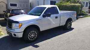 2013 Ford F150 ,STX,4×4 mint shape