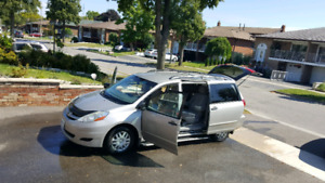 2009 Toyota Sienna CE **NO ACCIDENTS**