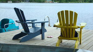 ►PRIVATE LAKEFRONT COTTAGE- SITUATED RIGHT ON THE WATER'S EDGE◄
