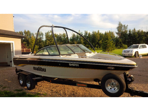 Used 2003 Malibu Sunsetter 23 XTI