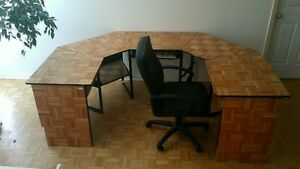 Computer/Drawing desk, Pent. Computor, 20 Monitor and Scaner