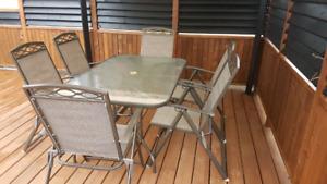 Set de patio avec 7 chaises