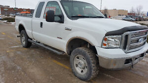 2006 Ford F-250 XLT SUPERDUTY Pickup Truck