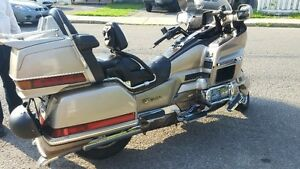 GOLD WING TOUT EQUIPER
