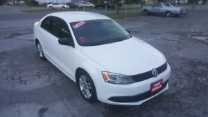 2013 VOLKSWAGEN JETTA SEDAN *** LOW KM *** CERT $9995