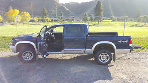 2004 Dodge Dakota SLT Quad Cab 4x4 Truck
