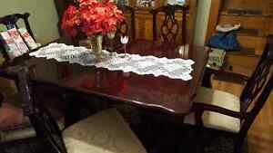 Cherry wood dinning room table and 6 chairs Peterborough Peterborough Area image 1