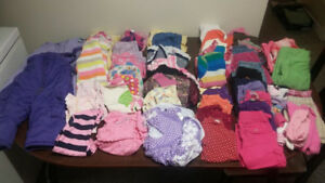 Lot of baby girl clothes sizes 18 to 24 month. (Over 50 pieces)