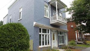 Duplex à vendre (7½)