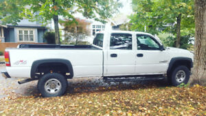 Chevrolet Chevy Silverado Duramax Turbo Diesel 2500HD Long Box
