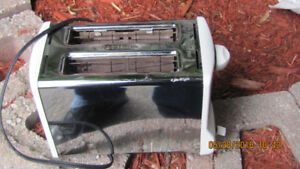 2-Slice Toaster. Not Used Much.
