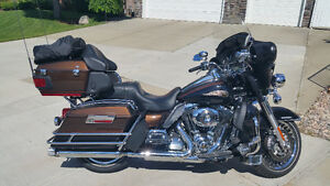 2013 110 Anniversary FLHTK Electra Glide Ultra Limited