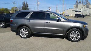 2012 Dodge Durango Crew. Only $28250.00 HST & warranty included!