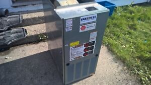 RHEEM 2 STAGE GAS FURNACE FOR PARTS OR REPAIR