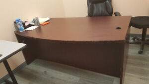 Sales of used Manager Desk