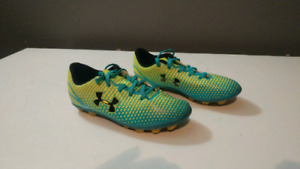 Child size 13 Under Armour soccer cleats