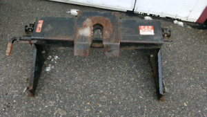 5th wheel hitch and rails for sale