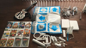 Wii (2 consoles, accessories and games)